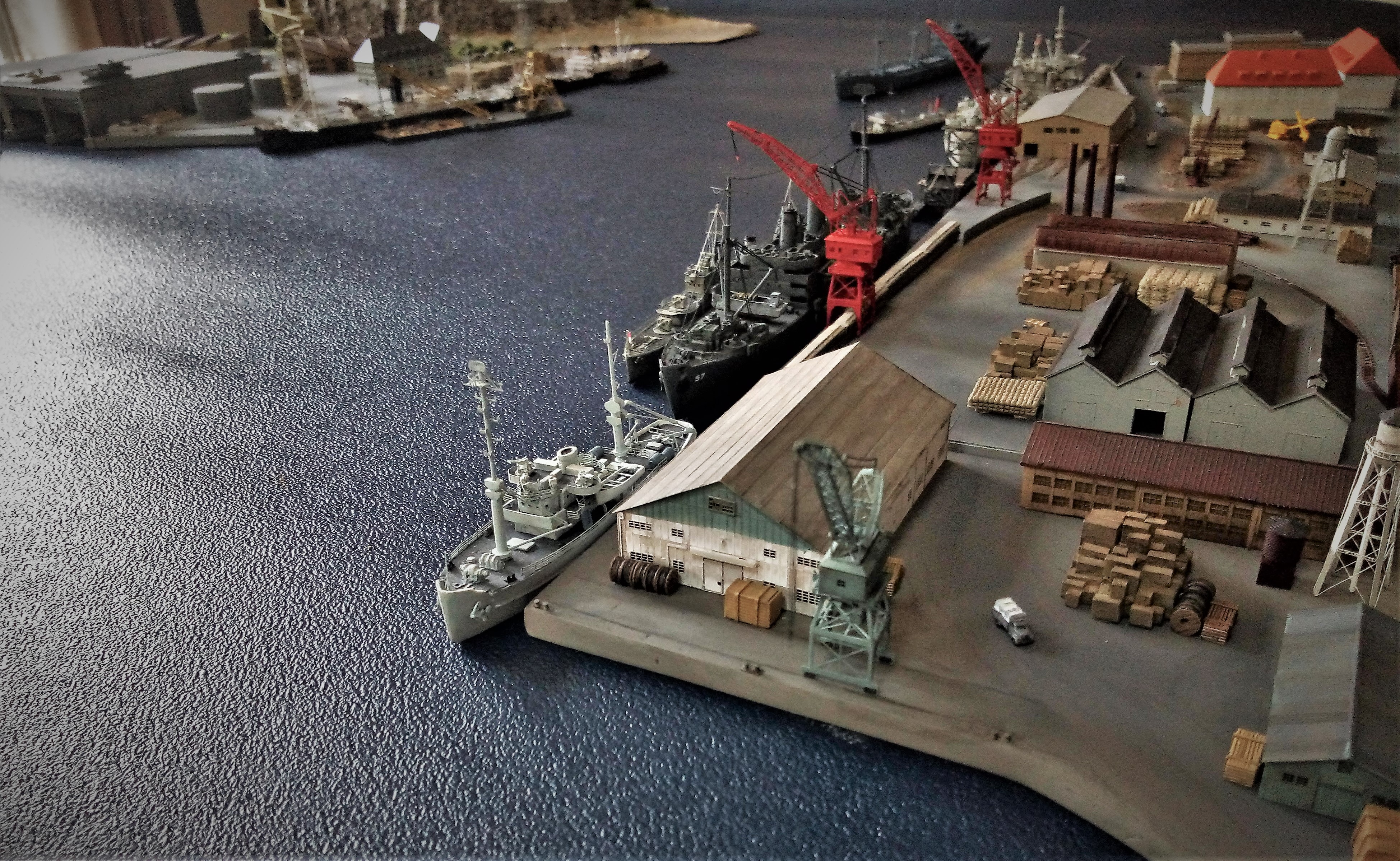 Diorama base navale 1/700 - Page 4 QUSnNJ7H